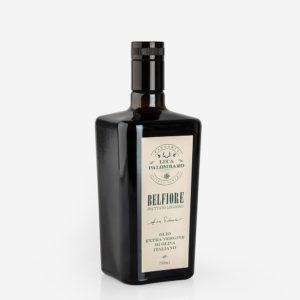 olio extravergine bottiglia inclinata